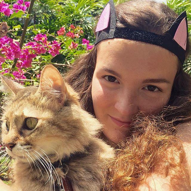 Who says Meri Meri dress up accessories are just for little ones? #merimeri #merimeriparty #catsofinstagram #cats #dressup #beautifulgirls