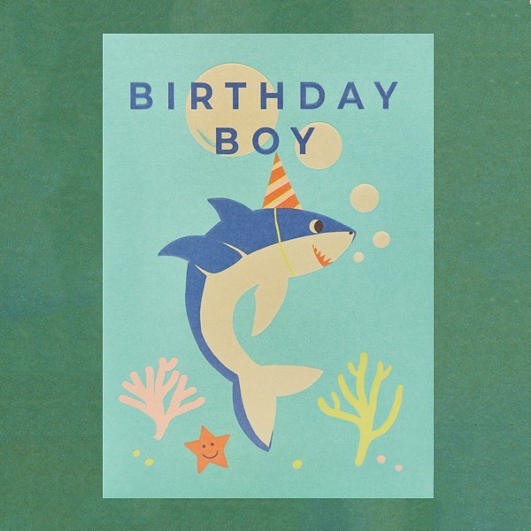 This birthday shark by @naomipwilkinson is on his way to watch his favourite comedy movie, Jaws 🦈 @lagomdesign #lagomdesign #giftideas #singaporeshopping #shark #jaws #seacreatures #birthdaycard #happybirthday #gooddesign #partyideas