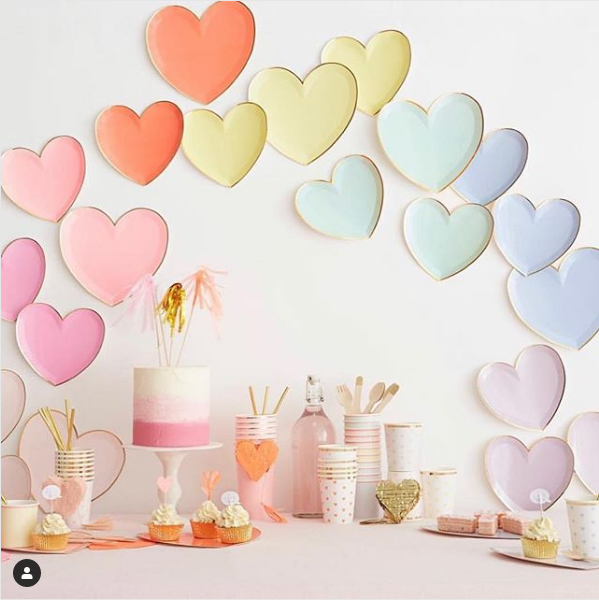 When you REALLY want to get your message across (although just the cupcakes would do it for me! ) #partyideas #homeware #partyware #cupcakes #pastel #showyourlove #gooddesign #giftideas